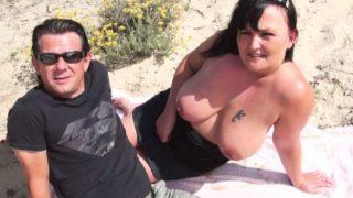 il laisse des inconnu defoncer sa femme dans les dunes