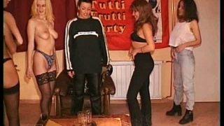 video d'une orgie totalement lesbiennes