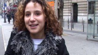 amatrice d'origine tunisienne baisée dans une cage d'escalier